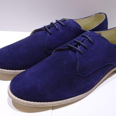 a0aca9aa83f Zapatos de comunión para niños de ante de Oca Loca