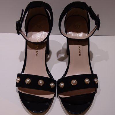 sandalia-negra-perlas