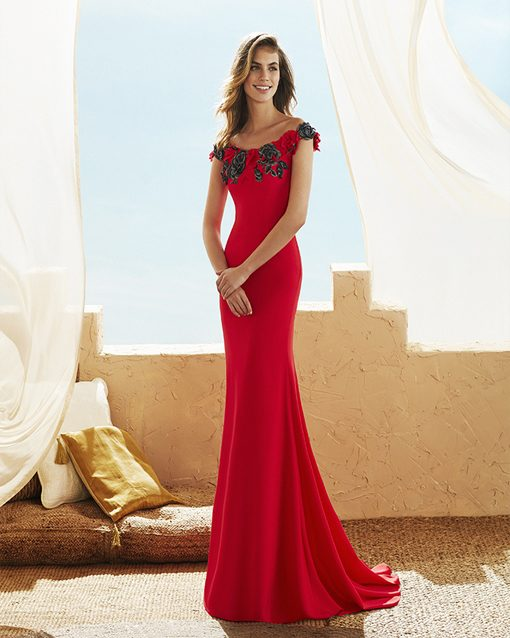 6a44ae538 Vestido de fiesta modelo 3J130 de Marfil Barcelona. rojo-creppé-marfil