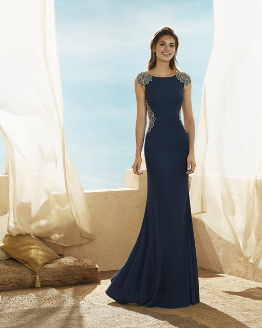 c5a169584 Vestido de fiesta largo de Marfil Barcelona 3J132. azul-largo-marfil