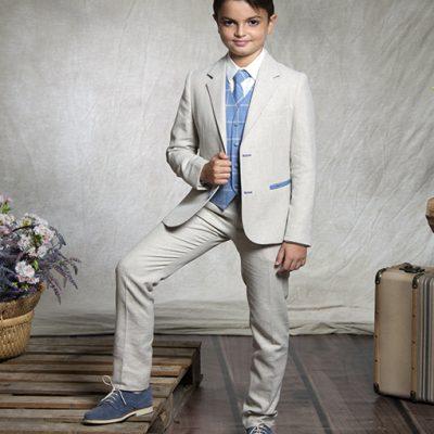 traje calle azul